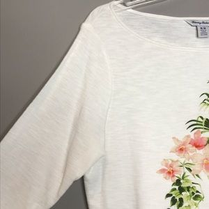 Tommy Bahama Tops - Tommy Bahama floral and fern print 3/4 sleeve top
